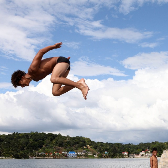 The people of Flores Guatemala have a beautiful relationship with their lake - hopping into the water whenever they feel like and then going on about their business slightly soggy. Challenge them to a diving contest if you're feeling really brave. #flores #guatemala #travel #swimming #hangtime #getoutside