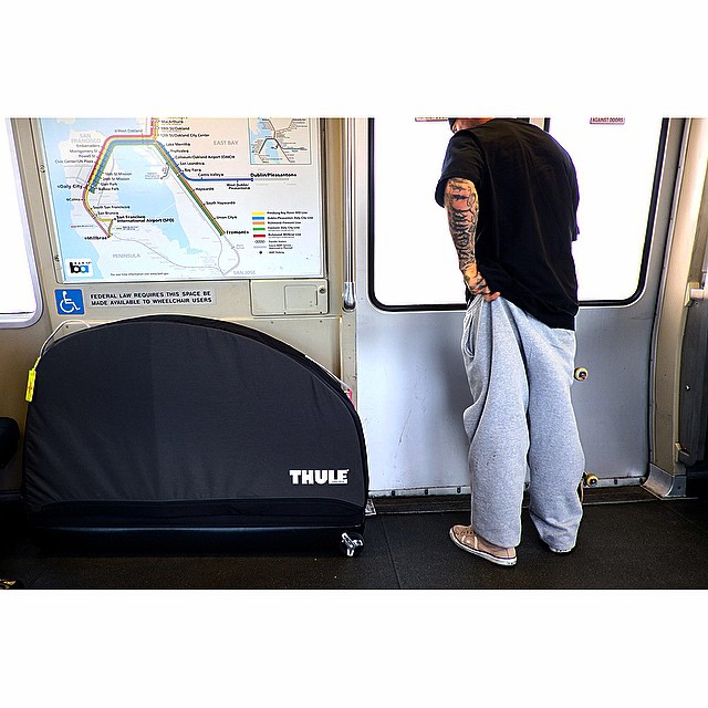 The RoundTrip Pro is Thule's new soft sided, airport-approved, wheel-equipped wonder bag which seems to be just enough and not too much at the same time. #takeitwithyou #trippin' @thule
